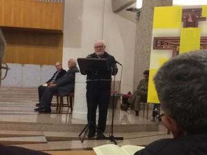 Vescovo Greselin del Mozambico e sullo sfondo Don Antonio Colombo